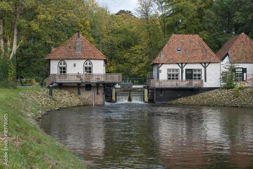 mlyn-wodny-o-nazwie-den-helder-w-winterswijk-w-holandii