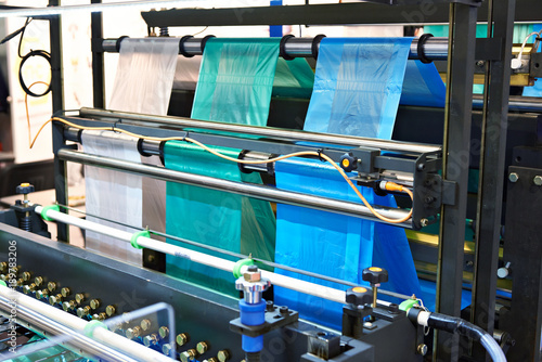 Pinturas sobre lienzo  Machine for manufacturing plastic bags