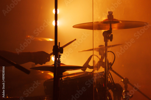 Plakaty Instrumenty Muzyczne   live-music-photo-drum-set-with-cymbals
