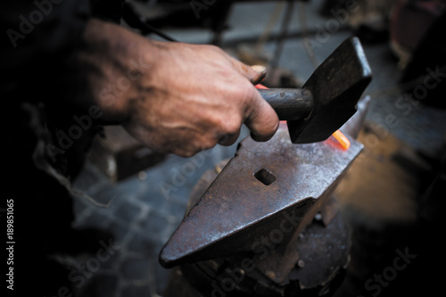 Fotografía  Lavorazione ferro battuto