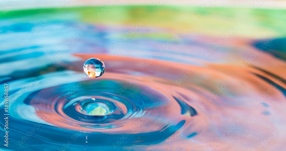Fototapety, obrazy: Colorful water droplet splash photograph