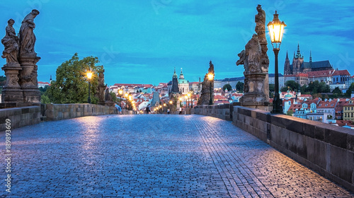 Photo  Charles Bridge in dusk