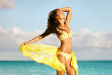 Sexy Asian Bikini Body Model F...