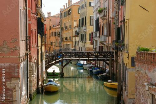Canali a Venezia © Coradazzir