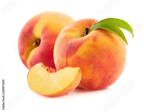 Foto Peach with leaves
