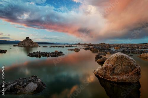 Fotobehang Landschap Mono Lake Sunset