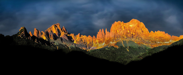 Fototapeta Góry Sonnenuntergang im Rosengarten, Dolomiten, Südtirol