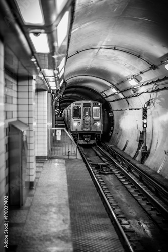 Spoed Foto op Canvas Treinstation Sepia tone subway platform