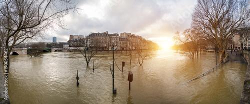 Fotografia  Flood of the Seine 2018 in Paris France