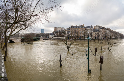 Fotografia  Flood of the Seine 2018 in Paris France