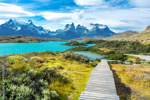 Pehoe lake and Guernos mountains beautiful landscape, national park Torres del P Fototapet