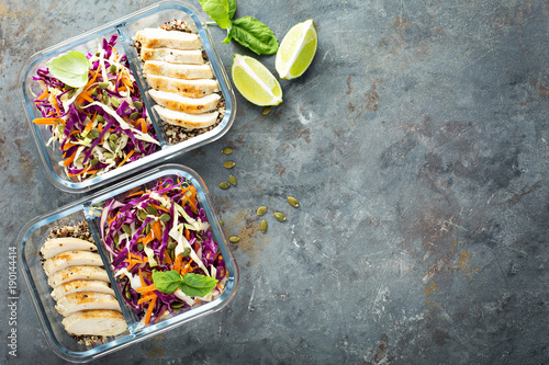 Spoed Foto op Canvas Kruidenierswinkel Healthy meal prep containers with quinoa and chicken