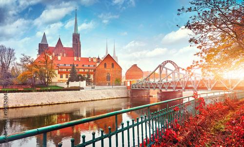 Obraz Wrocław, widok na wyspę Ostrów Tumski i katedrę św. Jana - fototapety do salonu