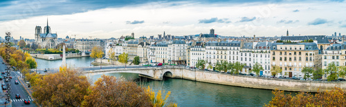 Poster Panoramafoto s Panorama of Notre-dame-de-Paris and Seine river in autumn