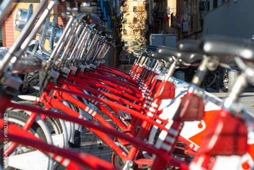 Photo Close up from a Bicing bicycle-sharing station in Barcelona