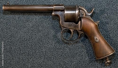 Billede på lærred Antique civil war revolver Raphael Perrin
