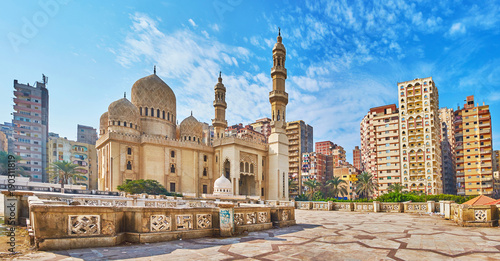 Photo Stands Egypt Sidi Yaqut al-Arshi mosque in Alexandria, Egypt