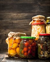 Preserves Vegetables And Mushr...