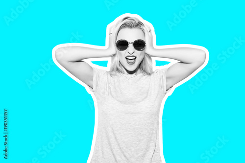 Poster Magasin de musique Collage in magazine style with colorful emotional fashion short hair blonde Rocky woman white toned blue background. Crazy girl in t-shirt and rock sunglasses scream holding her head.