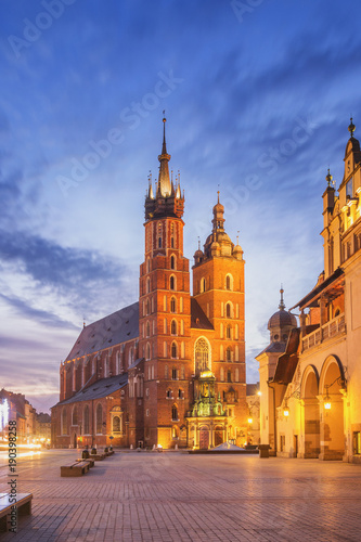 Poster Cracovie St Mary s Church at Main Market Square in Cracow, Poland