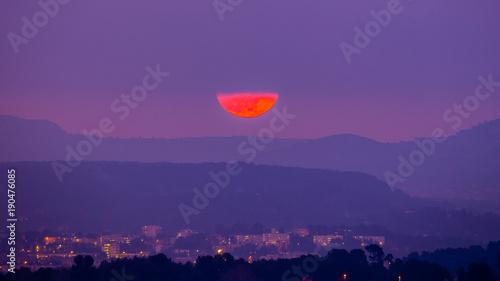 Poster Prune super moon over Aix-en-Provence