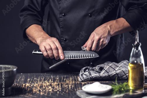 Fotografie, Obraz  Koch Schleift küchen Messer