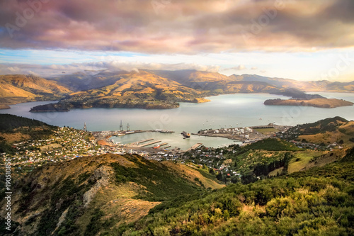 Poster Zalm Lyttelton harbor and Christchurch at sunset, New Zealand