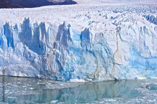 【アルゼンチンの世界遺産】ロス・グラシアレス国立公園のペリト・モレノ氷河