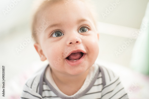 Obraz Baby smiling - Baby tooth - fototapety do salonu