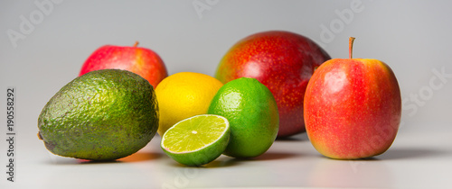 Frische, bunte Früchte © Wonderful pictures