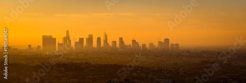 Cuadros en Lienzo Panoramic view of Los Angeles skyline at sunrise