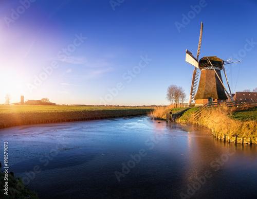 Tuinposter Molens Windmill de Meervogel at winter afternoon