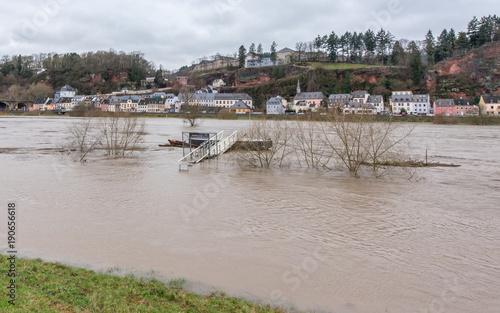 Fototapeta Hochwasser der Mosel in Trier obraz na płótnie