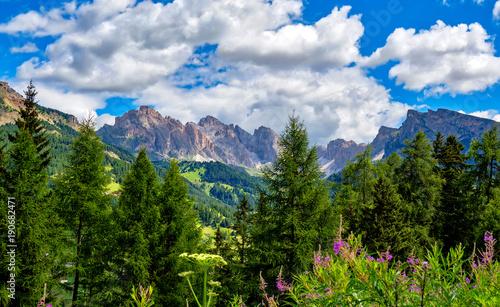 Photo  Blick auf die Geislergruppe in den Dolomioten, Südtirol, Italien