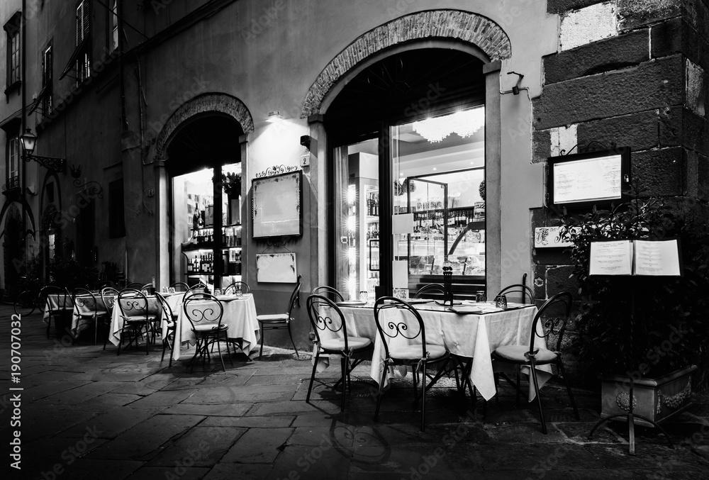 Fototapeta Italian Restaurant in Lucca, Italy