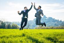 Saltando De Alegría