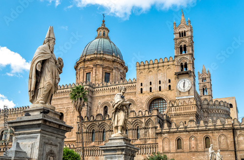 Fotobehang Praag Palermo Cathedral church with statues of saints, Sicily, southern Italy