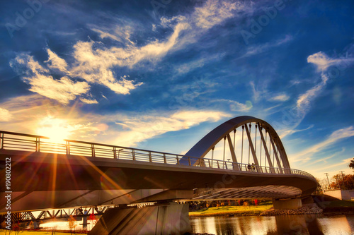 Poster Lieux connus d Amérique The Main Street Bridge in Columbus, Ohio is a premier landmark in this capital city.