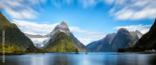 Fototapeta Milford Sound in New Zealand obraz