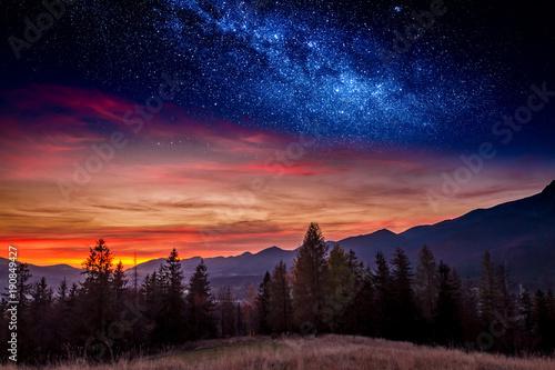 Foto auf Gartenposter Gebirge Sunset in Tatras mountain in Zakopane with stars, Poland