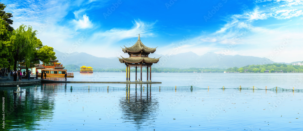 Fototapeta Beautiful lake landscape scenery and architectural landscape in West Lake, Hangzhou
