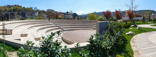 Photo scene of an amphitheater in the open air