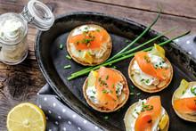 Blinis Saumon Fumés Et Crème...
