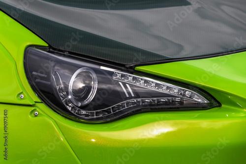 Fototapeta 自動車のヘッドライト Headlight of the car obraz na płótnie