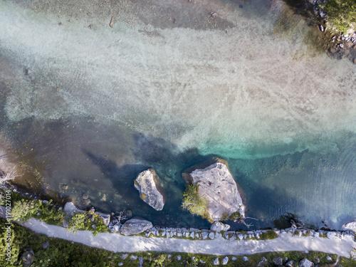 Vista aerea della Val di Mello, una valle verde circondata da montagne di granito e boschi, ribattezzata la Yosemite Valley italiana dagli amanti della natura Canvas Print