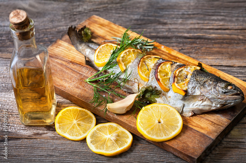 Fried fish with a slice of lemon