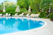 Beautiful Luxury Hotel Swimmin...