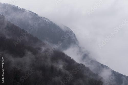 mgliste-chmury