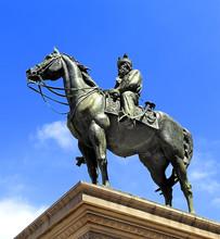 Genoa, Liguria / Italy - 2012/07/06: Piazza De Ferrari Square - Giuseppe Garibaldi Monument