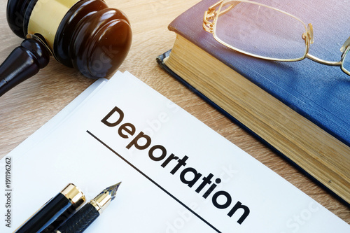 Deportation and other documents on a desk. Canvas-taulu